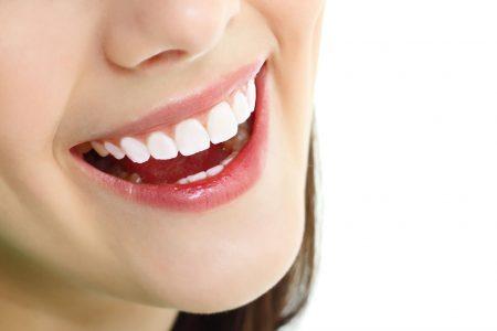 Tìm hiểu ngay bọc răng sứ có tác hại gì không 1